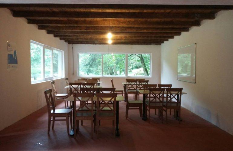 Prostor za učionicu adaptiran i opremljen namještajem