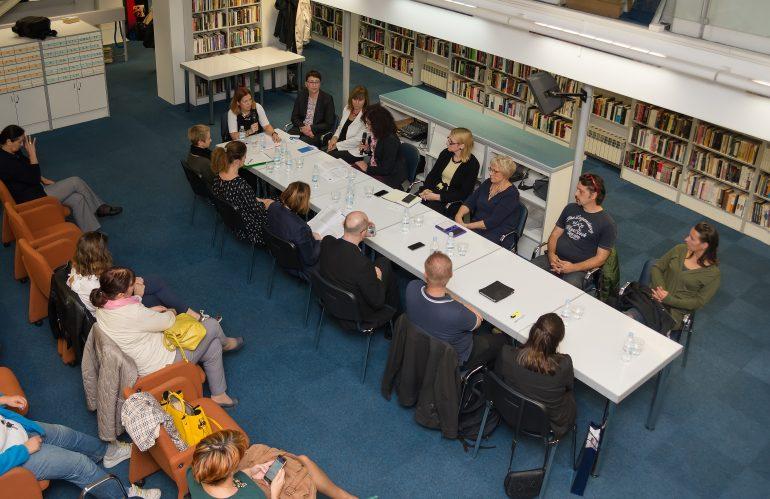 """Održan okrugli stol """"Važnost obrazovanja odraslih osoba u socijalno osjetljivim skupinama"""""""